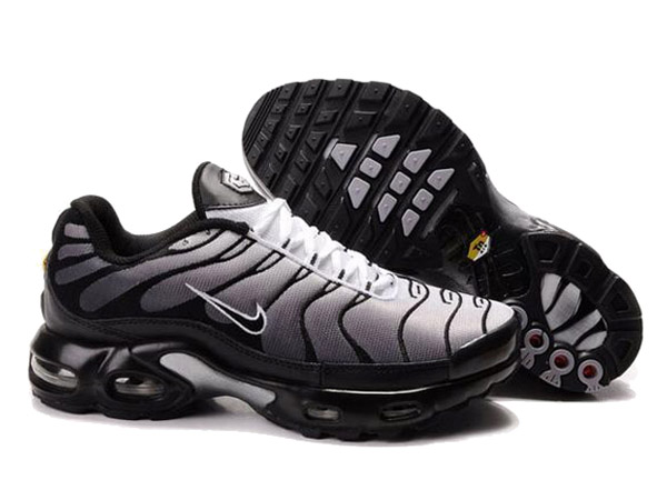 chaussure homme nike tuned 1